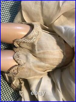 15 Madame Alexander COMPOSITION WENDY ANN FACE BRIDE DOLL WITH ORIGINAL DRESS