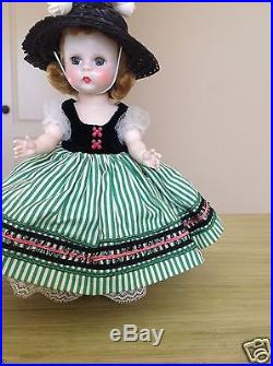 1954 Madame Alexander Little Victoria #328 SLW Hard Plastic