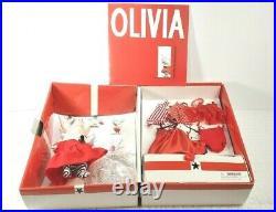 2001 FAO Schwarz Madame Alexander Olivia the Pig Trunk Set Outfits/Accessories