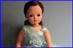 Beautiful Madame Alexander Brunette Yardley Cissy Doll No Cracks Or Splits