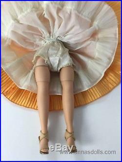 Beautiful Vintage Madame Alexander 1960 Apricot Godey Elise Doll