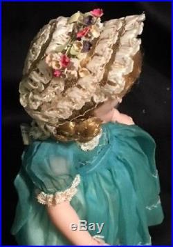 Fabulous Vintage Madame Alexander LISSY Near MINT IN BOX