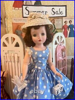 MA Vintage Cissy Clothes, Accessoris Complete Outfits, Includes Undies, Shoes