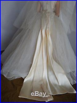 Madame Alexander 20 Cissy Satin Train 1957 Dressed Doll