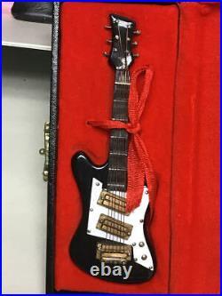 Madame Alexander 4 Doll & 3 Guitar Set 22110 Beatles Rock'n' Roll Group