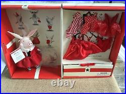 Madame Alexander 8 Vinyl OLIVIA DOLL Dress-up TRUNK SET withOutfits + Accessories
