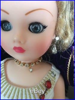 Madame Alexander Cissy Doll 21 In
