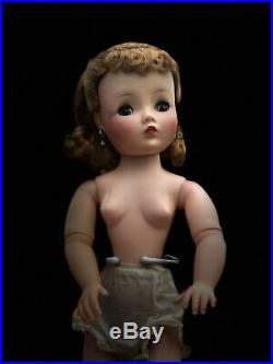 Madame Alexander Cissy Vintage Doll Beautiful