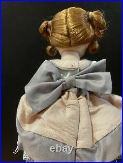 Madame Alexander Grandmas Favorite Cameo #47870