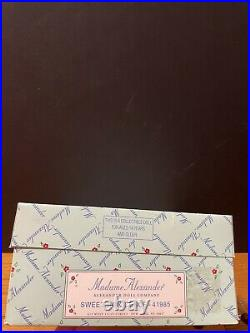Madame Alexander SWEET INNOCENCE 8 DOLL BEAR HAT Brown Hair 41985