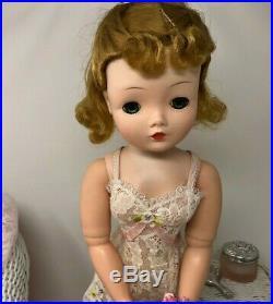 Madame Alexander Vintage Basic Cissy Unique Hairstyle All Original