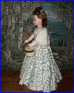 Madame Alexander Vintage Wonderful Cissy Wearing Opera Gown 1957 Brunette Hair
