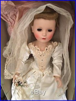 Madame Alexander bride Margaret Face 20 1950's bride, Veil, Garter, original box