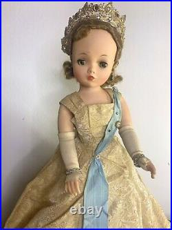 RARE Vintage Madame Alexander 19 Queen Elizabeth Coronation Cissy Doll 1957