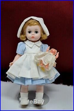 Rare Vintage Madame Alexander 8 Wendy NURSE Doll holding BABY Bent Knee Walker