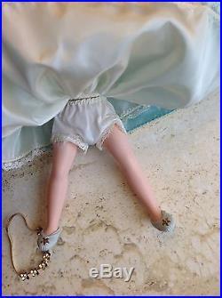 VINTAGE MADAME ALEXANDER SLEEPING BEAUTY 9 CISSETTE DOLL 1959 Mint original box