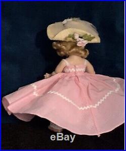 VINTAGE MADAME ALEXANDER-kINS 1953 Gorgeous SLNW MINT CONDITION