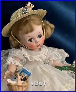 VINTAGE MADAME ALEXANDER-kINS 1953 SLNW EXCELLENT CON