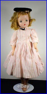 VINTAGE! Madame Alexander Cissy Doll in Tagged Dress All ORIGINAL