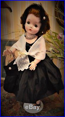 Vintage Madame Alexander Cissy Gorgeous Redhead 1950's