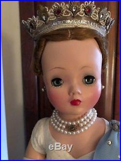 Vintage Madame Alexander Cissy Queen Elizabeth Doll 20