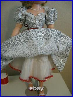 Vintage Madame Alexander Cissy Ready For Display