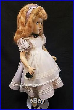 Vintage Madame Alexander Doll Composition ALICE IN WONDERLAND 1946-48. 18