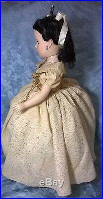 Vtg. 1952madame Alexander Walt Disney Snow White 18doll. Margaret Face. Vg. Cond